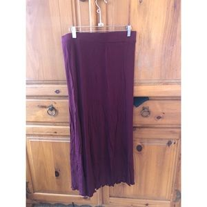 Blue notes burgundy skirt